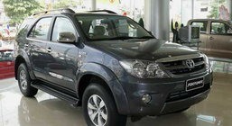 TOYOTA FORTUNER V3.0 AT