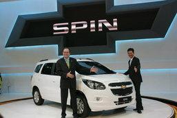 Chevrolet พร้อมเปิดผ้าคลุม  Chevrolet Spin  12 มี.ค.