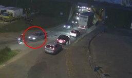 ช็อกกันทั่ว! หนุ่มเมาขับรถชนคนตายเป็นศพติดกระจกหน้ารถไม่รู้ตัว นึกว่าเป็น′ตุ๊กตา′(ชมคลิป)