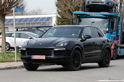 ภาพหลุด 2018 Porsche Cayenne โมเดลเชนจ์ใหม่ออกวิ่งทดสอบจริง