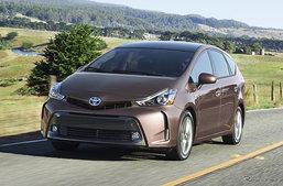 Toyota Prius V ขึ้นแท่นรถยนต์ที่มีไฟหน้าดีที่สุดในสหรัฐฯ