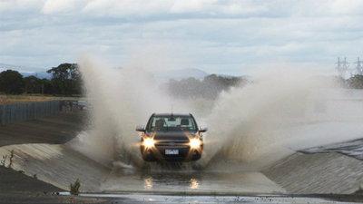 ดูแลรถหลังน้ำท่วม