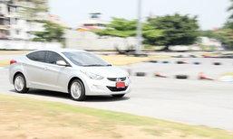 Sanook! Drive .. มินิเทส Hyundai Elantra ความประทับใจในซีดานสุดสปอร์ต