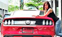 สวยเว่อร์! 'ฟอร์ด มัสแตง' สีแดงแรงฤทธิ์แฟนหนุ่ม 'อุ้ม ลักขณา'
