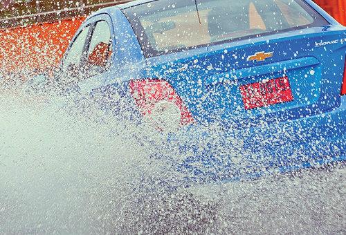 คัมภีร์ขับรถช่วงหน้าฝน