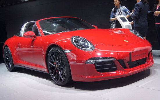 Porsche 911 Targa 4 GTS สปอร์ตเปิดหลังคาคลาสสิคตัวแรงเผยโฉมแล้ว