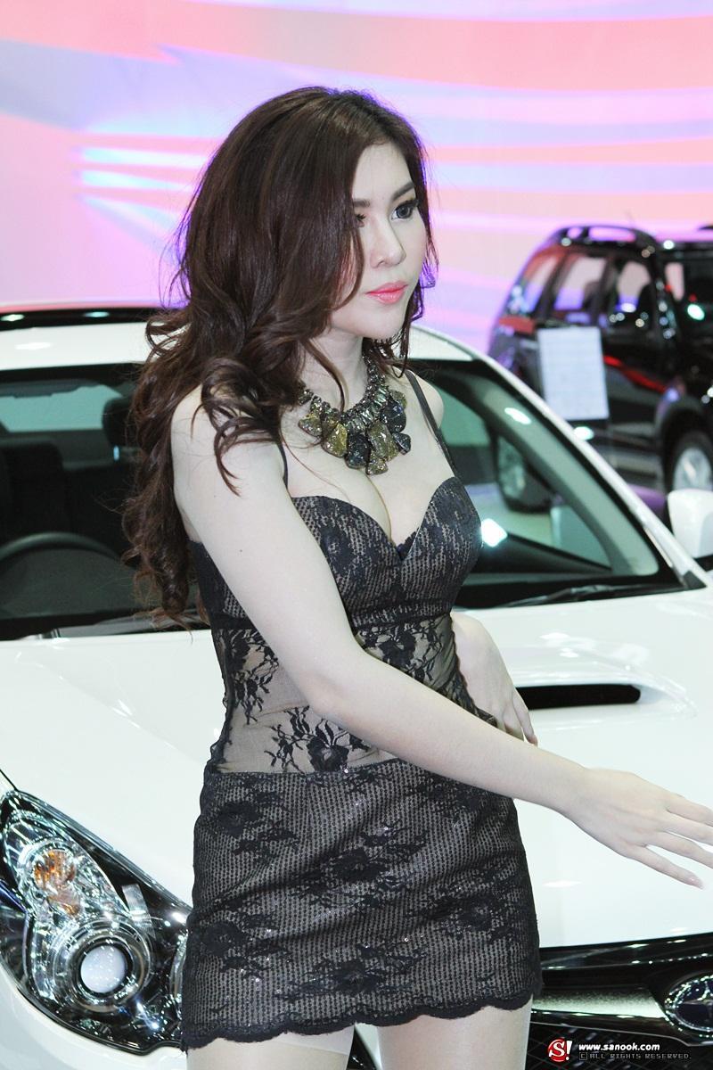 พริตตี้ Subaru Motor Expo 2012
