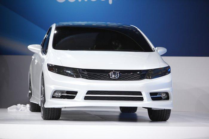 เผยโฉมแล้ว Honda Civic 2012 โมเดลใหม่ที่ดูไม่แตกต่าง