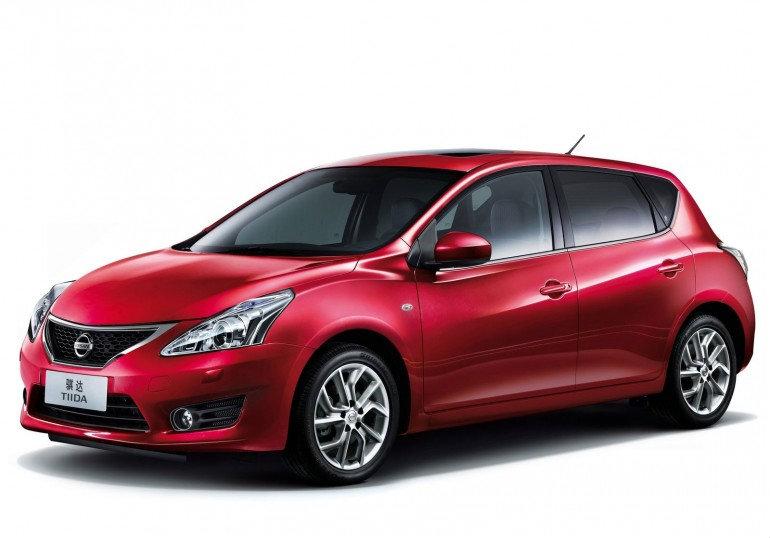 2012 Nissan Tida ...ลุคสปอร์ตเต็มพิกัด จัดจ้านเต็มอารมณ์