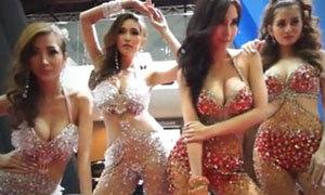 ทูพีชสุดเซ็กซี่ พริตตี้ Motorshow 2013