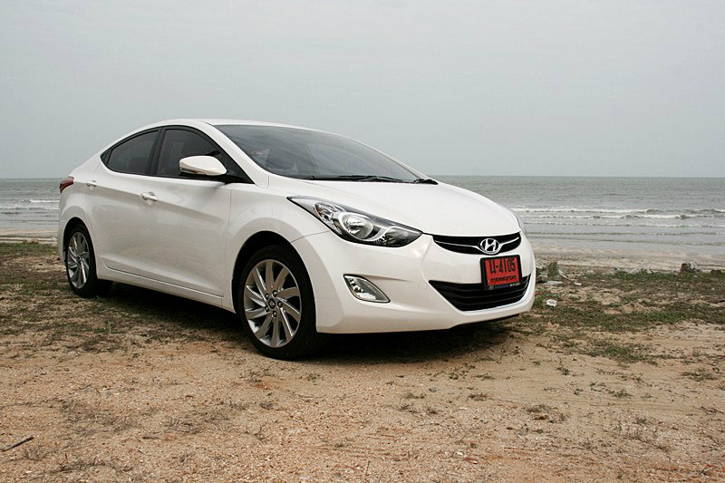Sanook! Drive  Hyundai Elantra 1.8 GLS  คอมแพ็คคาร์โสมขาว สมรรถนะเร้าอารมณ์