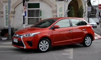 Toyota Yaris 2014 มาแรงแซงโค้ง อีโคคาร์ขายดีสุด