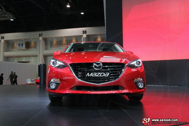 """มาสด้าชู """"Mazda 3"""" และ """"CX5"""" ไฮไลท์มอเตอร์โชว์ 2014 - Motor Show 2014"""