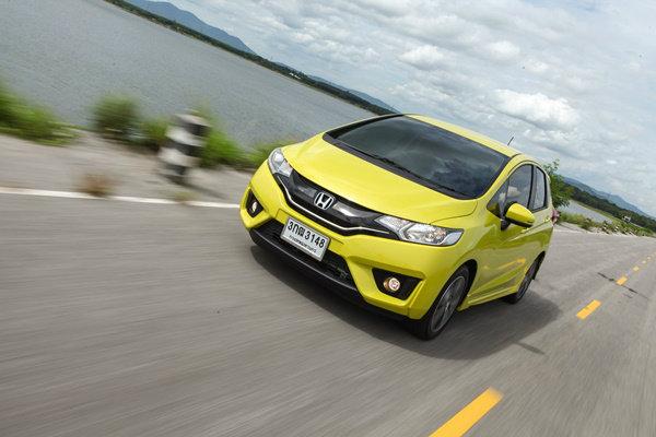 รีวิว All-new Honda Jazz 2014 ใหม่ ซิตี้คาร์ที่เป็นได้ทุกอย่าง!