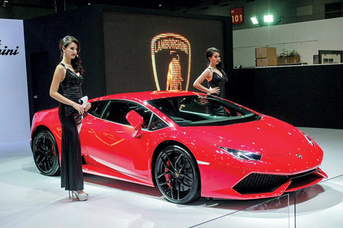 ลัมโบร์กีนี ′ฮูราแคน′ ได้ฤกษ์เปิดตัวในไทย ราคาเริ่มต้นที่ 25 ล้าน
