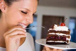 พฤติกรรมสาวๆ ที่ส่งผลให้ลดน้ำหนักไม่ลงสักที