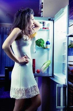 7 อาหารที่กินแล้วรบกวนการนอนหลับ อยากหลับสบายตลอดคืนต้องเลี่ยง!