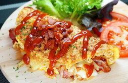 มาม่าออมเล็ตชีสเบค่อนกรอบ ผลผลิตจากจตุรเทพทั้ง 4 อย่าง ไข่ ชีส เบค่อน มาม่า คลิกเข้ามาฟินกันได้เลยค่า by Ching Can Cook