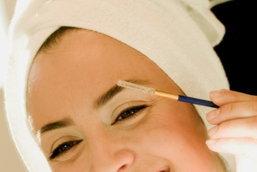 เนรมิตหน้าสวยมีมิติกับการเลือกดินสอเขียนคิ้วให้เหมาะสม