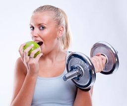 ไขข้อสงสัย! อยากออกกำลังกายให้เต็มประสิทธิภาพ ควรกินอาหารก่อนหรือหลังดี?