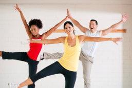 ประโยชน์ของการเต้นซุมบ้า วิธีออกกำลังกายที่ให้คุณได้มากกว่าแค่หุ่นสวย