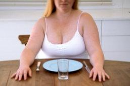อยากลดน้ำหนักด้วยตัวเองให้ถูกวิธี ต้องหลีกหนีความเชื่อในการอดอาหาร !