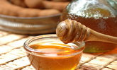 เผยหน้าใสไร้สิวด้วย 5 สูตรพอกหน้ารักษาสิวด้วยน้ำผึ้ง