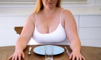 ภัยร้ายจากการอดอาหาร ใครกำลังลดความอ้วนแบบผิดๆ หยุดด่วน !