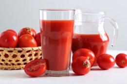 """""""ไลโคปีน"""" สารสำคัญจากน้ำมะเขือเทศ ดื่มอย่างไรให้ดีต่อสุขภาพ!"""