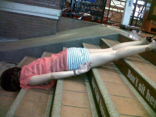 Planking ท่าแกล้งตาย พฤติกรรมฮิตบนโซเชียลเน็ตเวิร์ค