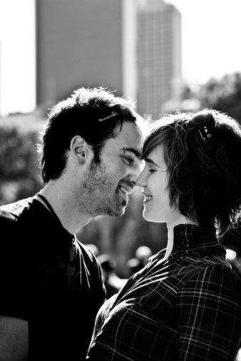 5 ประโยชน์น่าประหลาดใจของการจูบ