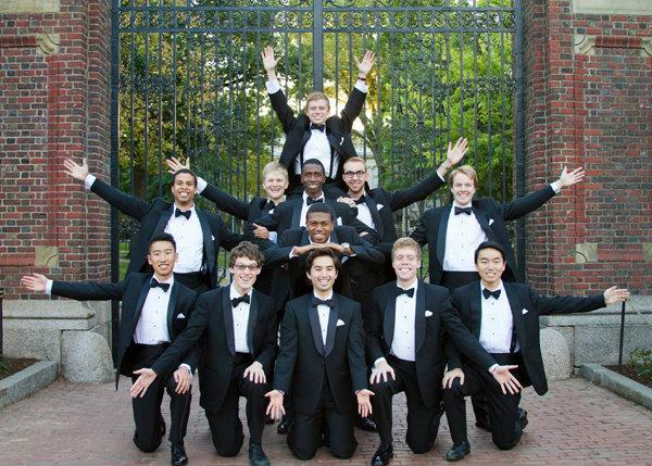 สมาคมนักเรียนเก่าฮาร์วาร์ด จัดการแสดงการร้องเพลงโดยไม่ใช้เครื่องดนตรี (cappella)