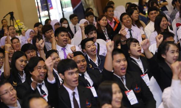 กระทิงแดง U Project จุดพลังใจ จุดพลังความคิด ขับเคลื่อนสังคมไทย ให้ประเทศไทยก้าวหน้าอย่างยั่งยืน