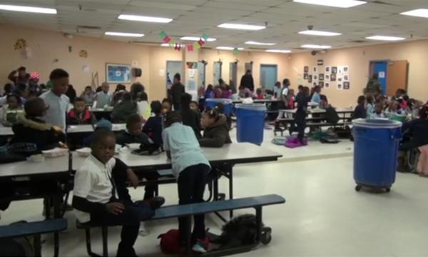 """โรงเรียนในสหรัฐฯ ใช้วิธี """"นั่งสมาธิ"""" ช่วยเเก้ปัญหาพฤติกรรมเด็กนักเรียน"""