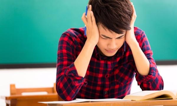 """โรคซึมเศร้าใน """"วัยรุ่น"""" เกิดขึ้นได้และใกล้ตัวกว่าที่คิด!"""