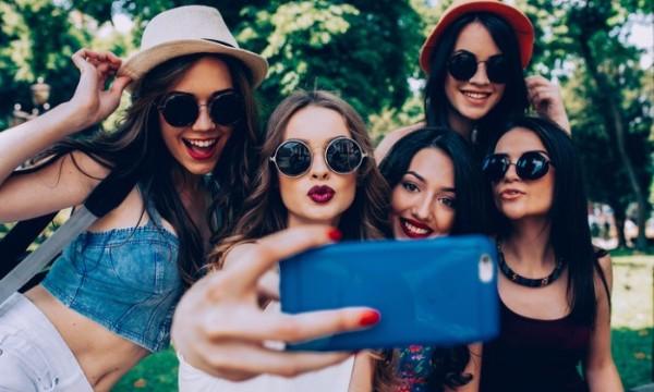 อวดรูปในโซเชียลต้องระวัง ผลสำรวจพบวัยรุ่นหญิงชอบเปรียบเทียบตัวเองกับเพื่อน