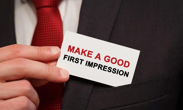 """9 เทคนิคในการสร้าง """"First Impression"""" ให้คนประทับใจ"""