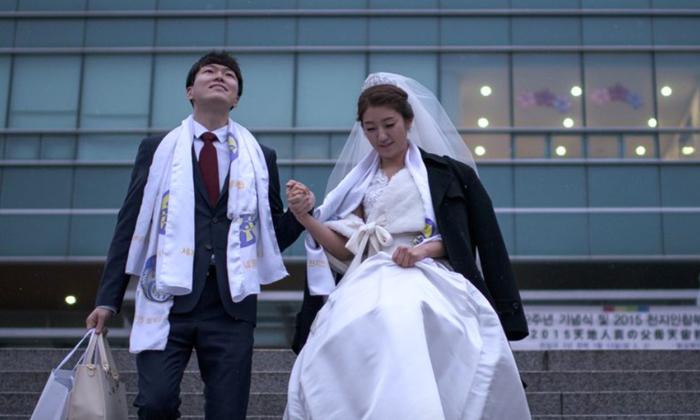 """เกาหลีใต้สอนวิชา """"เดท"""" แก้ปัญหาอัตราการเกิดต่ำ"""
