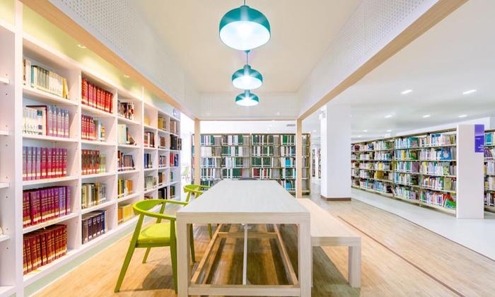 """""""ห้องสมุดศูนย์มานุษยวิทยาสิรินธร"""" ปรับโฉมใหม่ เห็นแล้วคุณจะรักการอ่านในทันที"""