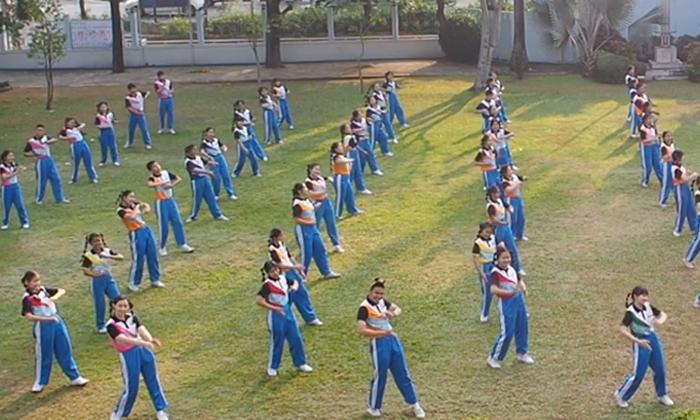 """โรงเรียนวัฒโนทัยพายัพ รวมตัวกัน """"เต้นคุกกี้เสี่ยงทาย"""" สุดน่ารัก เพื่อประเมินโรงเรียนส่งเสริมสุขภาพ"""