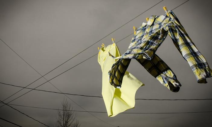 """เด็กหอมหาวิทยาลัยควรรู้ ทริค """"ซักผ้าช่วงหน้าฝน"""" ให้ไร้กลิ่นเหม็นอับติดเสื้อ"""