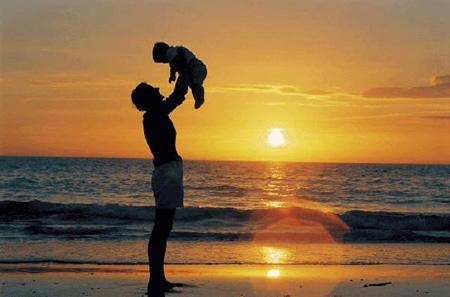 วันพ่อแห่งชาติ 5 ธันวาคม 2556 อ่านประวัติ กลอน เพลงวันพ่อ