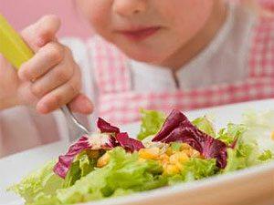 เด็กไทยกินผักน้อย ชี้แม่เป็นตัวอย่างได้