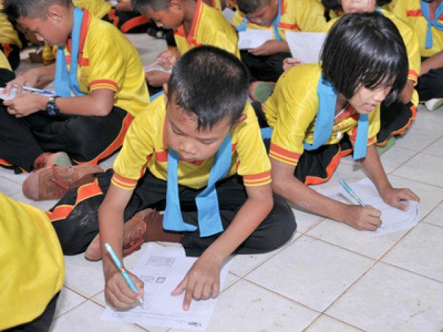 ผลวิจัยชี้เด็กไทยเจอรายจ่ายอื้อ เงินบริจาคสูงสุดแสนบ.-กวดวิชา8หมื่น/ปี