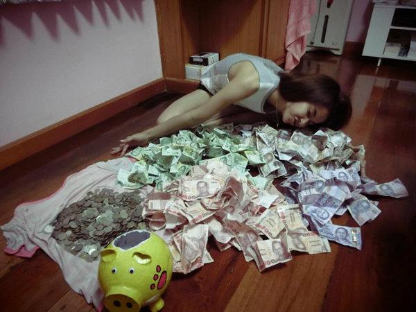 ชื่นชมสาววัย 24 ปีขยันออมเงิน