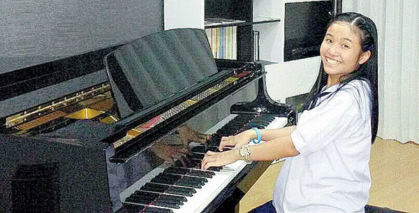 """""""น้องฟาห์""""เด็กไทยคนแรกและคนเดียว! ที่คว้ารางวัลร้องเพลงคลาสสิกเวทีระดับโลก"""
