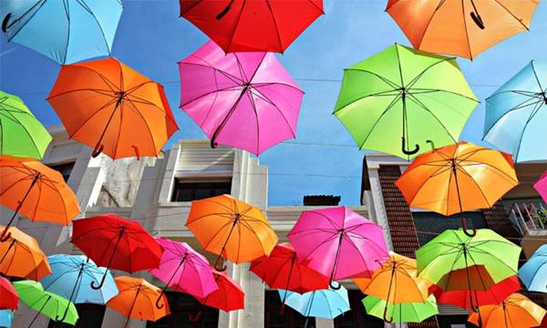 10 สิ่งของจำเป็นที่ควรพกไว้ในช่วงฤดูฝน