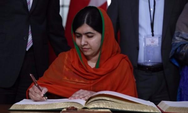 ทำสำเร็จ! Malala Yousafzai ได้รับเข้าศึกษาต่อในมหาวิทยาลัยอ๊อกซ์ฟอร์ด