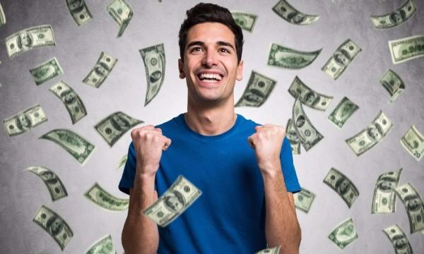อยากรวยอย่าทำ!! 4 ข้อผิดพลาดเรื่องการเงิน ที่วัยรุ่นมักทำ