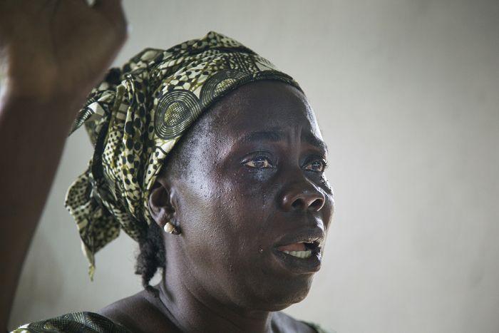 แววตาความโศกเศร้าในดินแดน อีโบล่า (6)